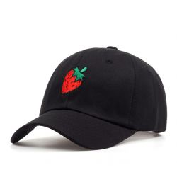 Gorra negra Fresa Bordado detalle con Visera curvada Estilo TRAP