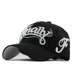 Finally Gorra con bordado...