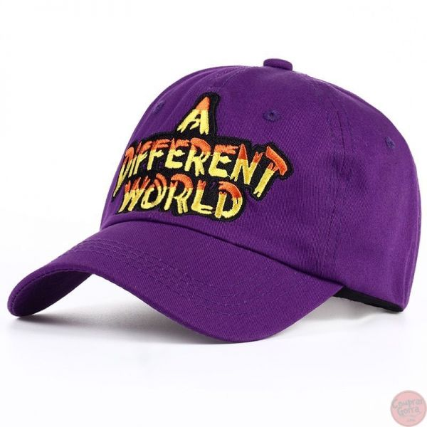 Gorra A Diferent World Bordado Letras...