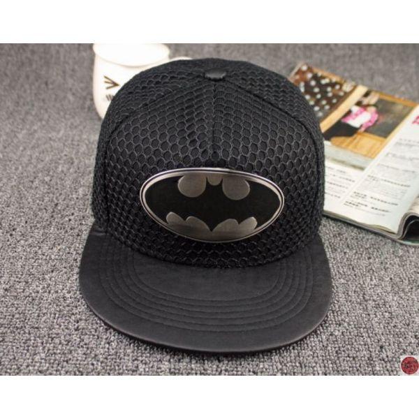 Gorra de Batman con una Placa con el...