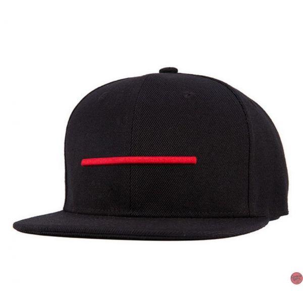 06f96ee2e85fc 🧢 Gorra Plana Modelo Negro con Raya Roja Style Casual Snapback Hip Hop